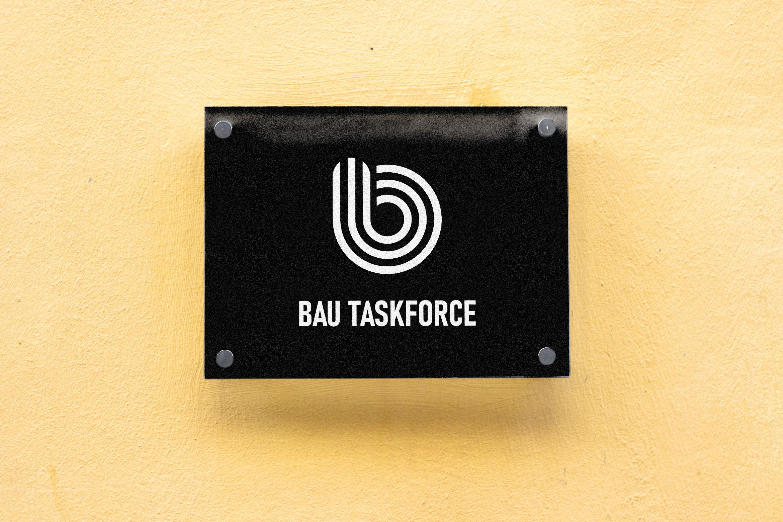 cartel_escaleras_identidad_bau_taskforce