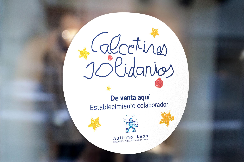 pegatina_cristal_calcetines_solidarios_autismo_leon